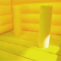 Des obstacles gonflables pour enfants